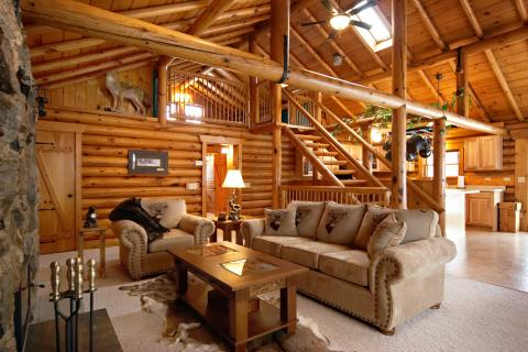 The Lodge - Vacation Rental in Willmar